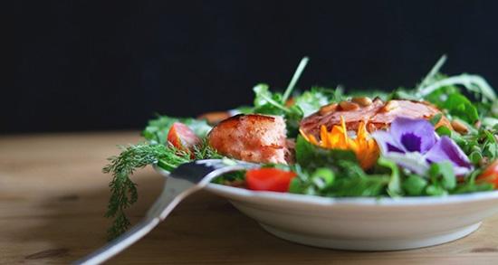 خوراک ماهی و سبزیجات