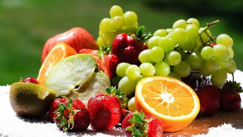 میوه ها در تابستان