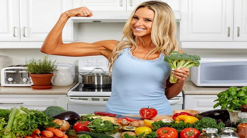 با مصرف کدام مواد غذایی عضله سازی داشته باشیم ؟