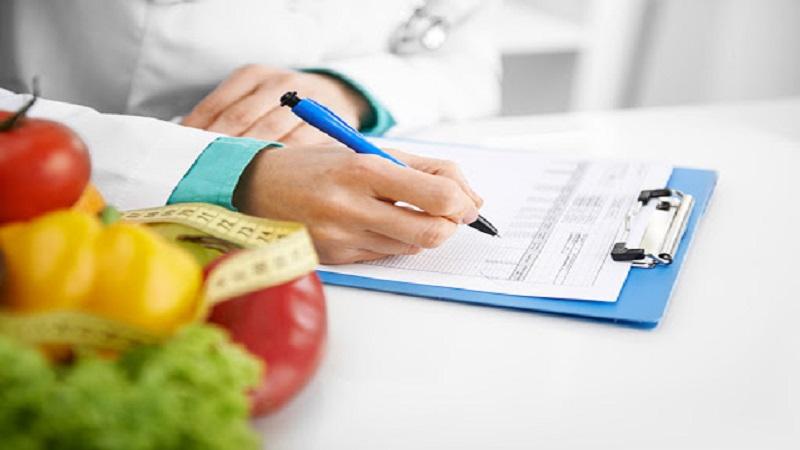 ۱۰ نکته مهم تغذیه ای برای بیماران سرطانی تحت پرتو درمانی